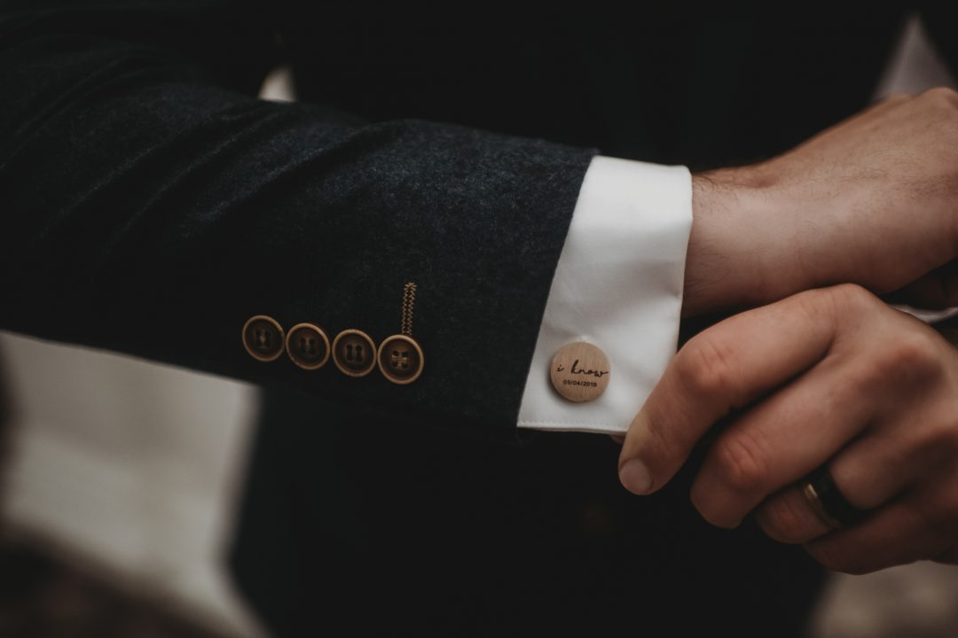 Elopement couple - cufflinks, Scotland, cute details