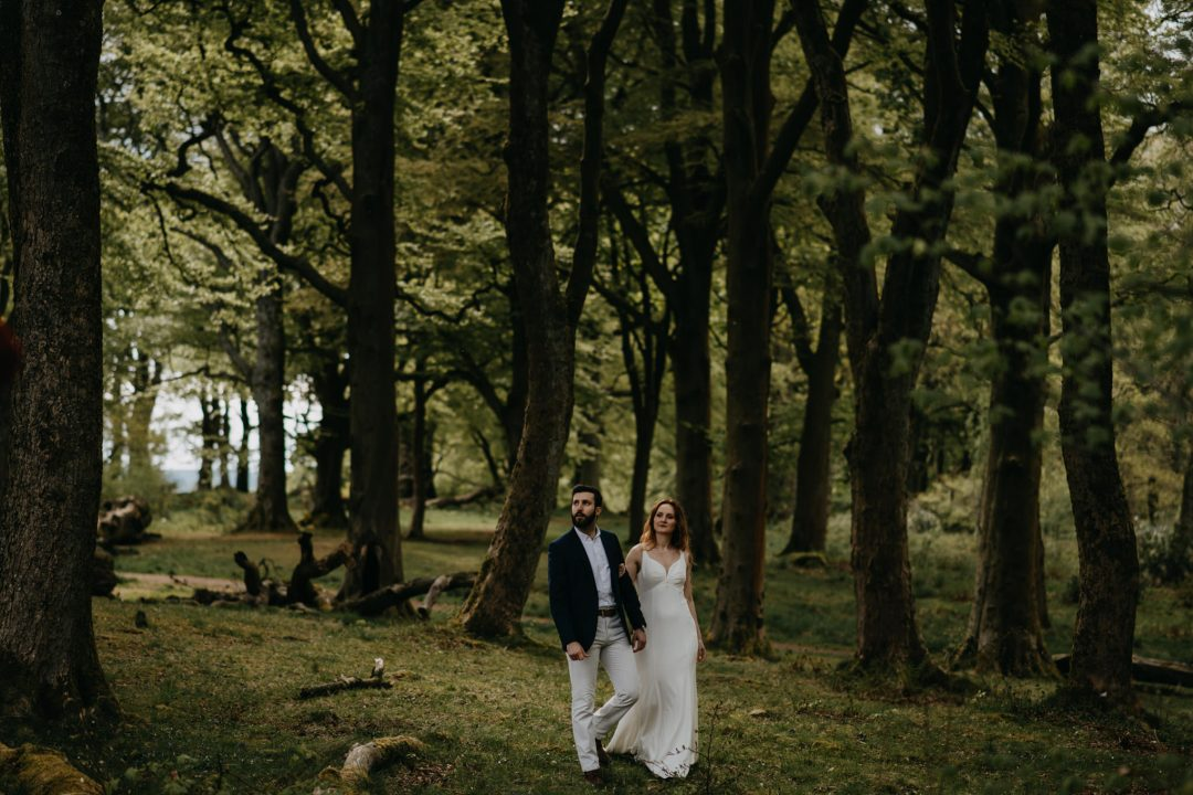 Elopement couples shoot in nature Scotland on vacation. Shoot with Lena Sabala and Patrick Zaarour on Mark Pacura workshop.