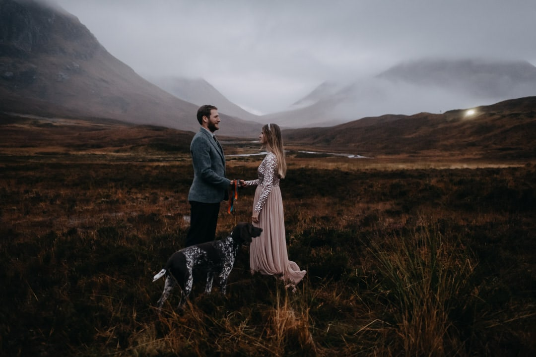 Handfasting ceremony in Glencoe Scotland - bohemian couple