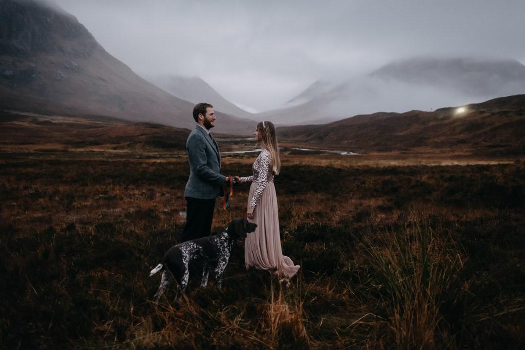 Handfasting ceremony in Glencoe Scotland - bohemian couple