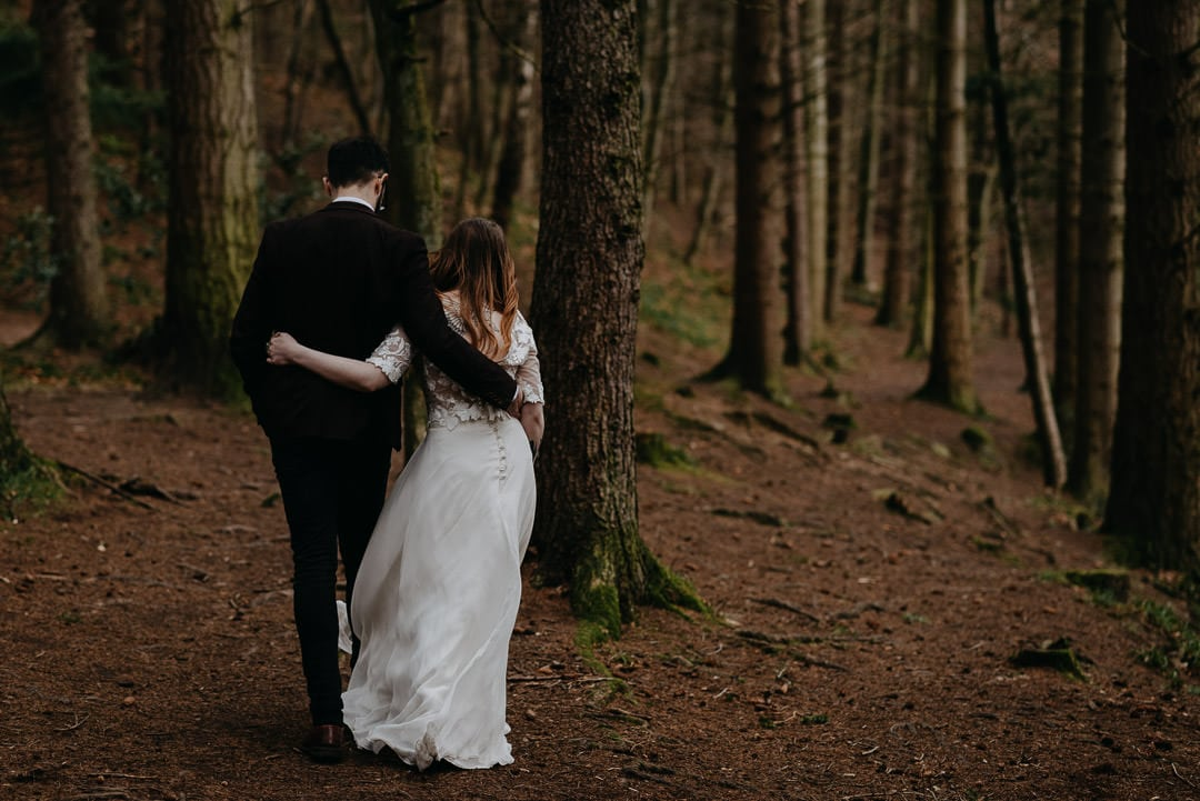 Elopement with bride in flossy and dossy dress - unique scottish wedding options - elopement photographer