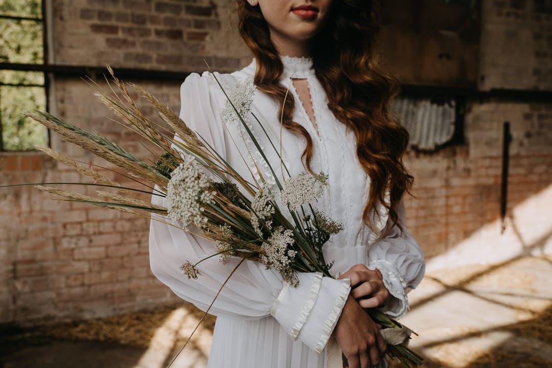 Autumnal boho bridal bouquet - harvest inspired