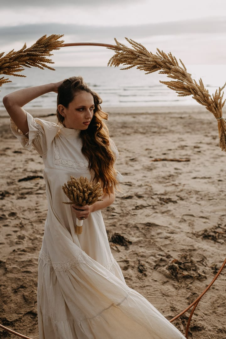 Scottish autumnal floral styling for a beach elopement