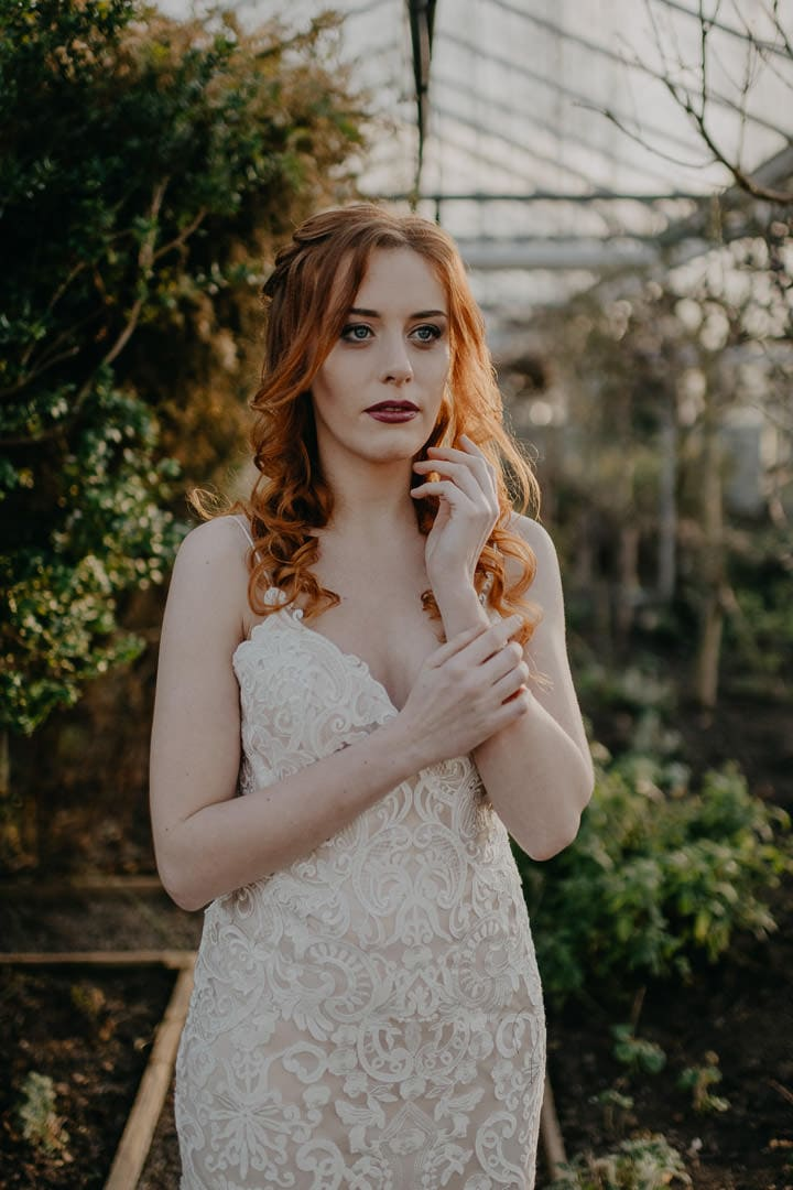 Bridal elopement style - natural bohemian Scottish look