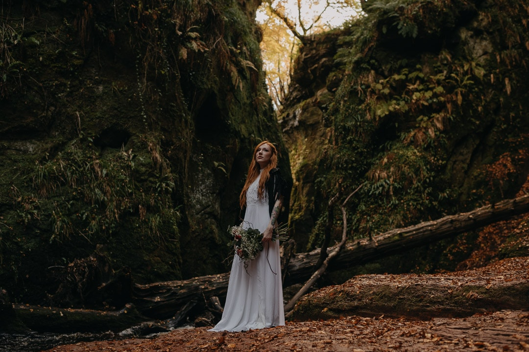 devil's pulpit elopement ceremony
