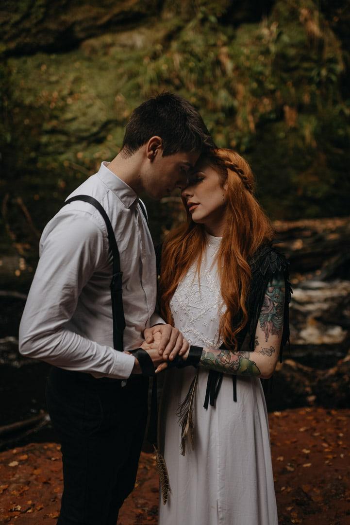 devil's pulpit elopement ceremony - handfasting