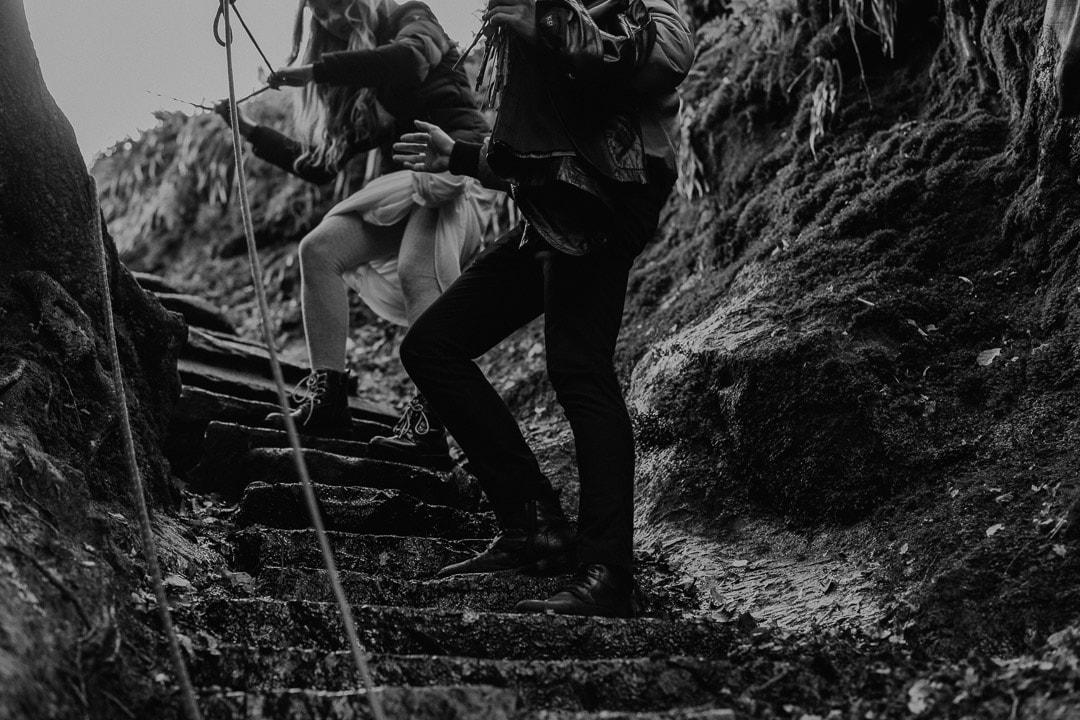 devil's pulpit elopement ceremony - rock climbing down gorge