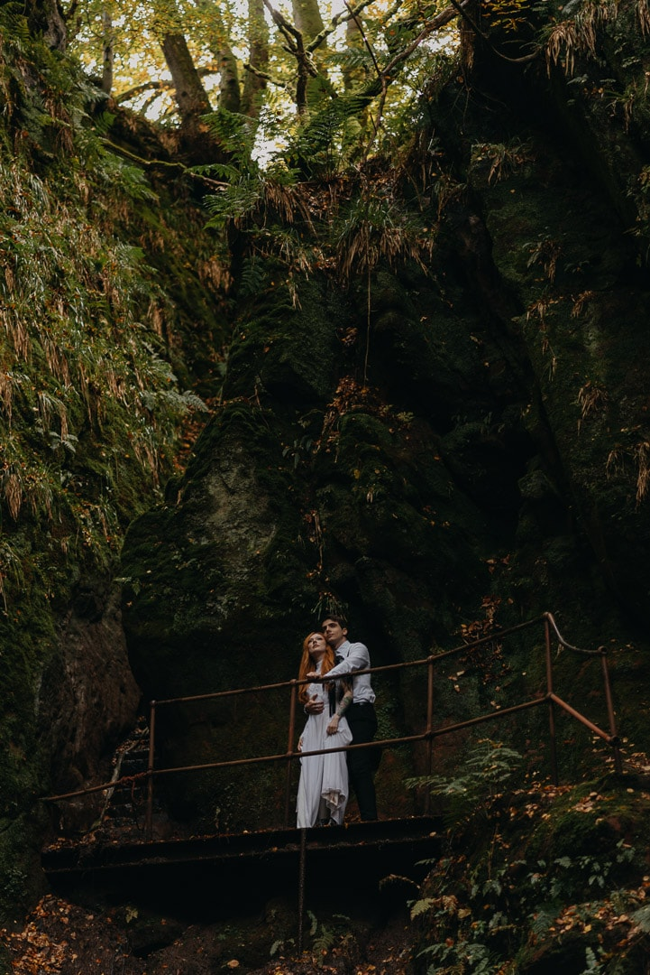 adventurous couple in Devil's Pulpit elopement in Scotland