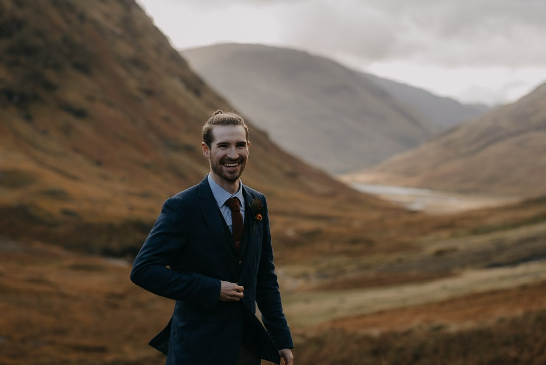 Glencoe elopement couple at the three sisters
