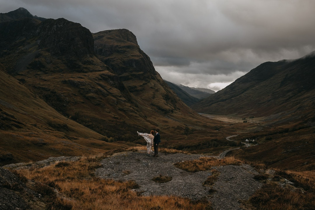 Glencoe elopement couple - rue de seine dress