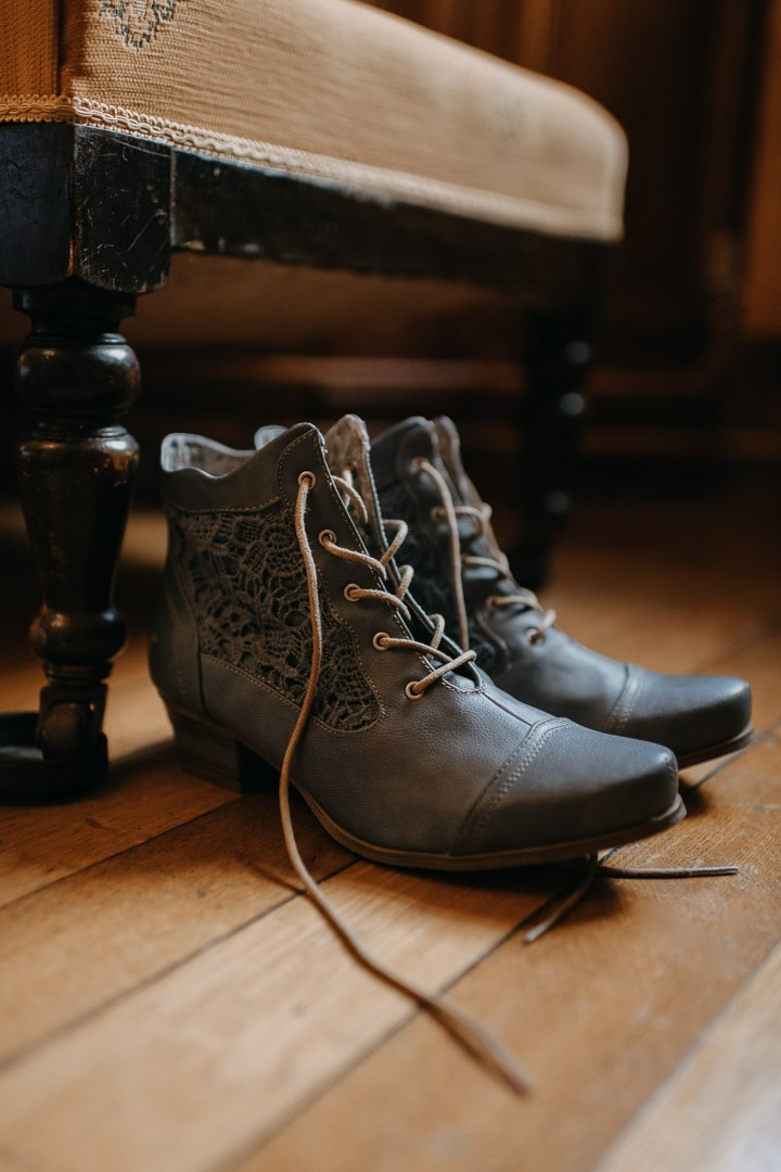 Elopement boots cute