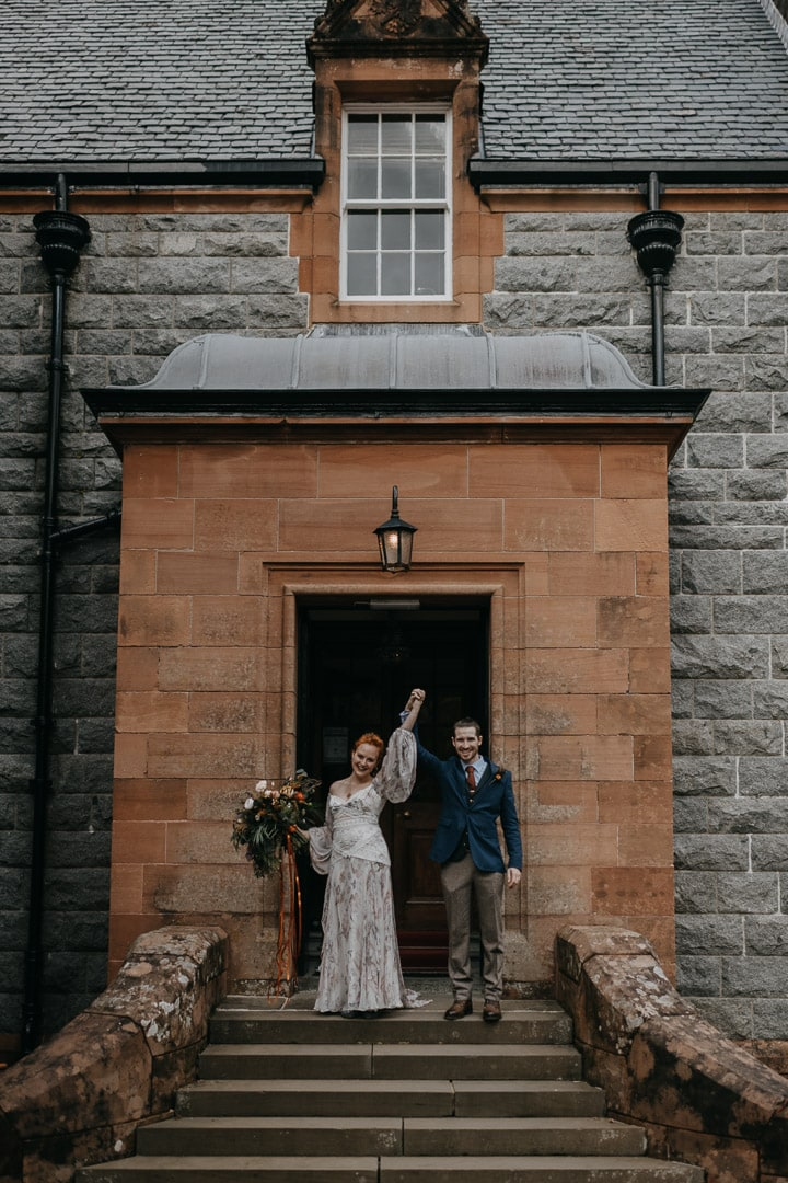 Glencoe house elopement couple