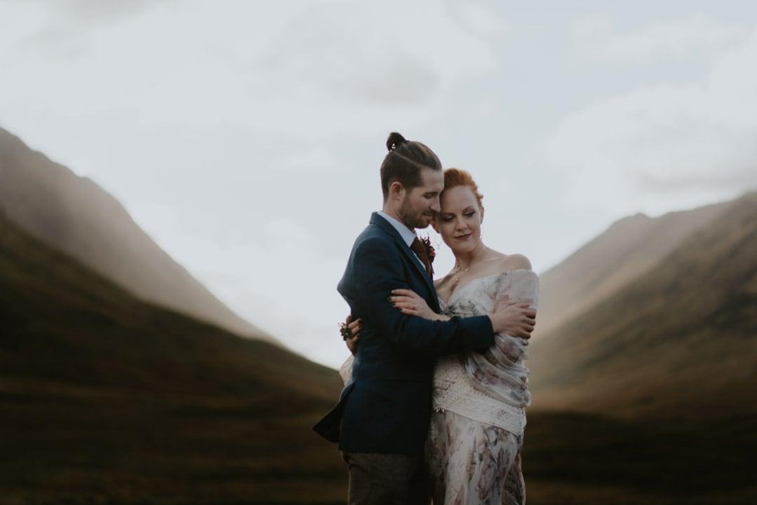 romantic glencoe elopement couple - raini
